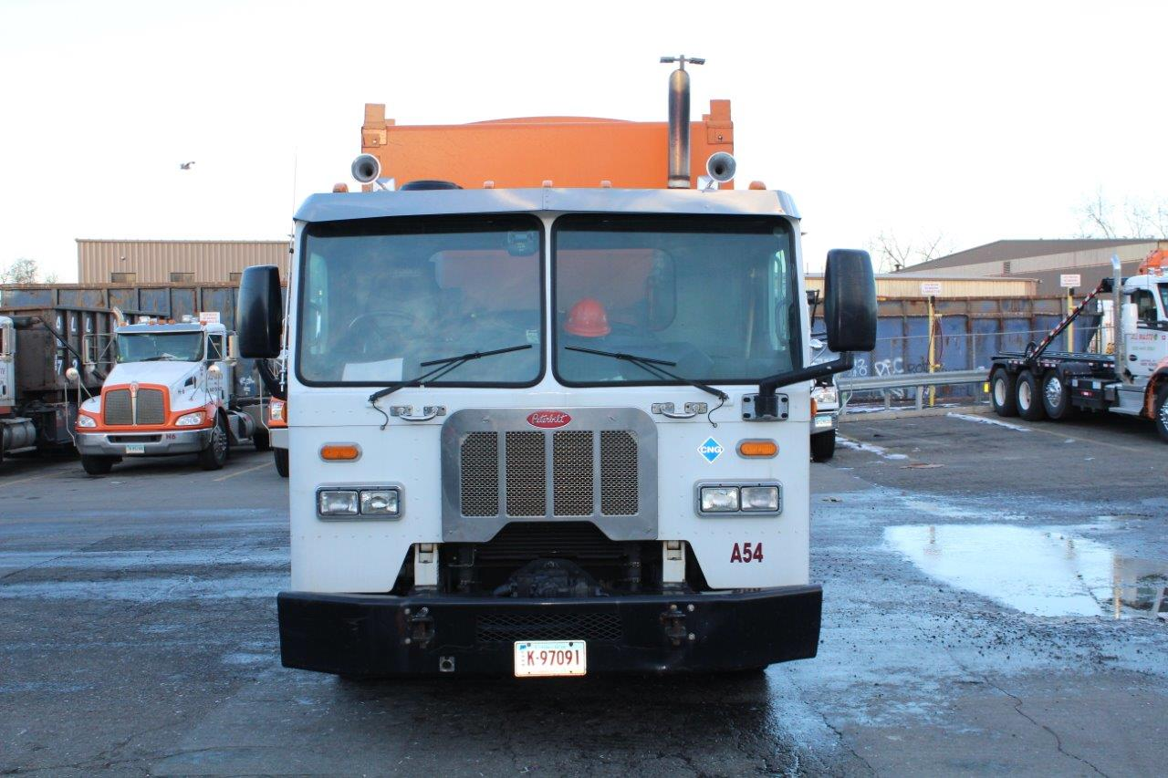 Peterbilt 320 CNG Automated